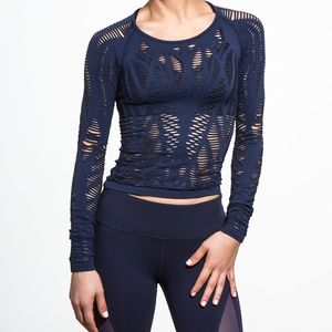 Alo Yoga Wanderer Long Sleeve Top in Atlas